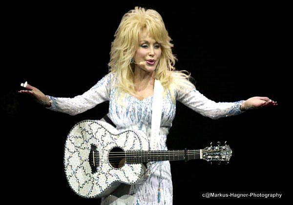 tivoli i Odense Dolly Parton bryster